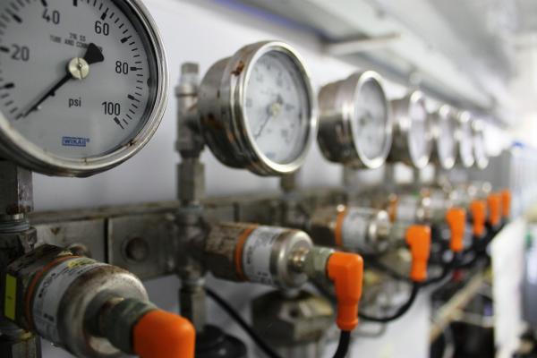 ứng dụng đồng hồ đo áp suất wika