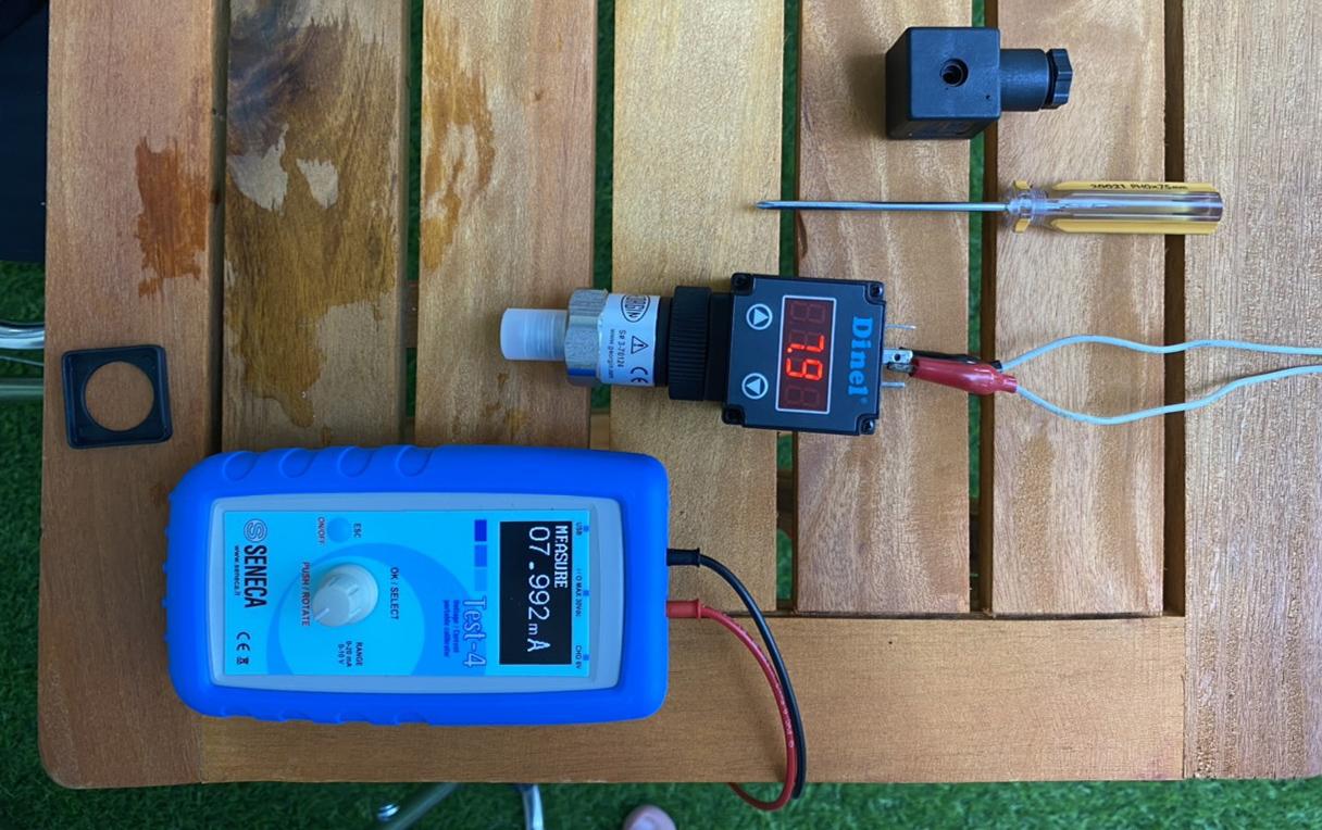 cảm biến áp suất truyền tín hiệu 4-20mA về PLC