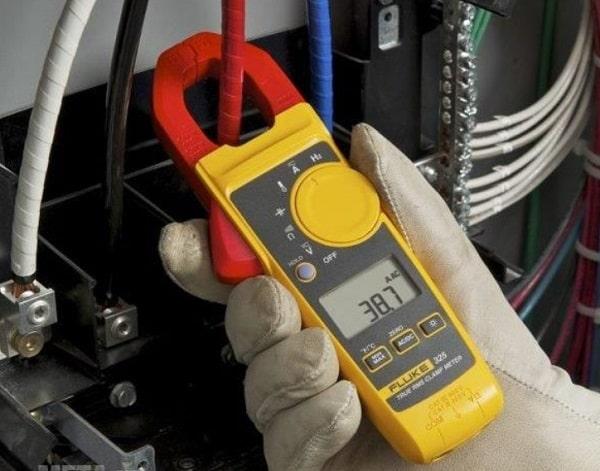 Cách đo dòng điện bằng ampe kìm
