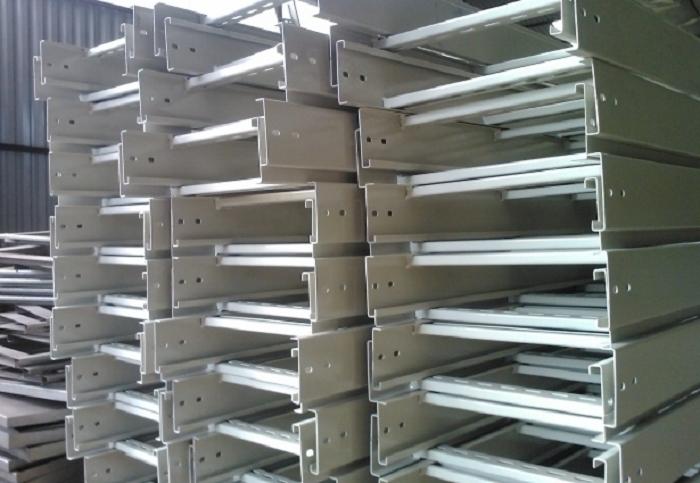 Các công trình lớn cần số lượng nhiều thang máng