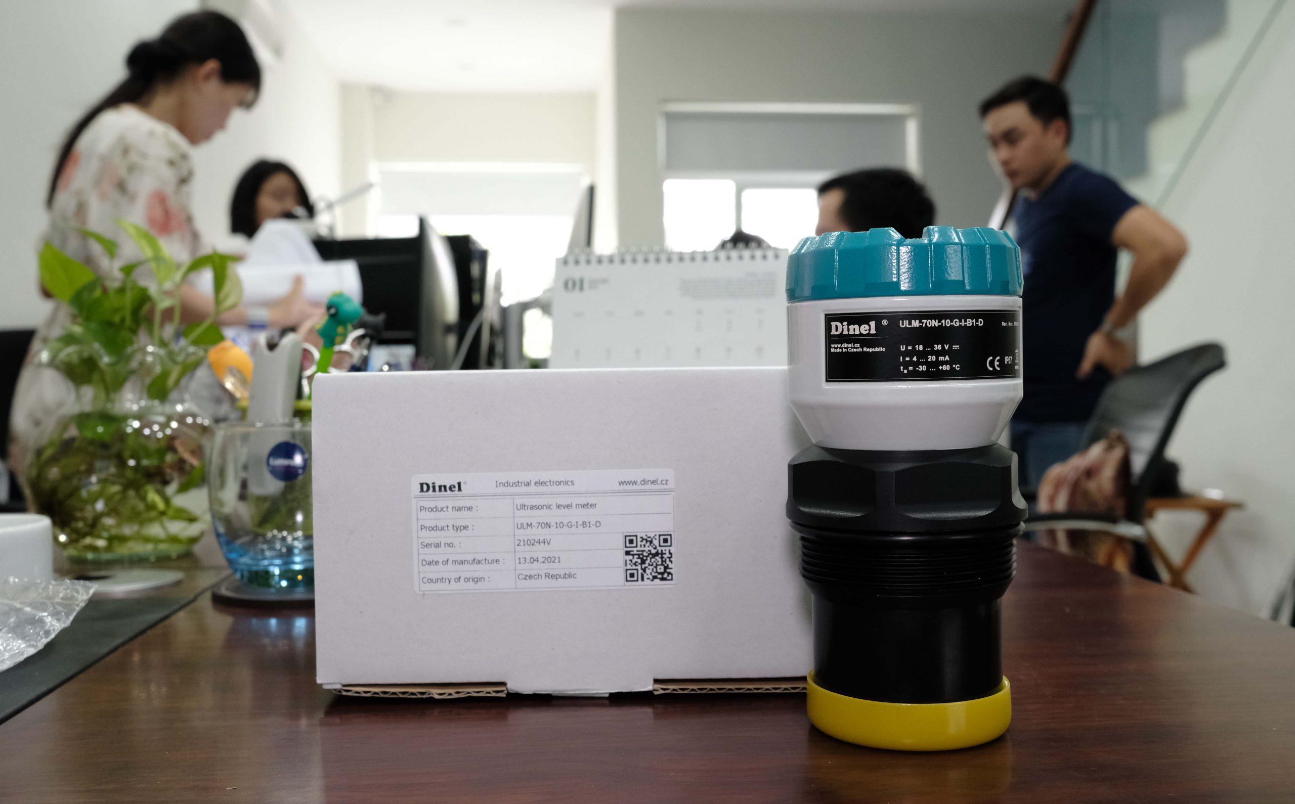 Cảm biến mực nước siêu âm ULM-70N-10